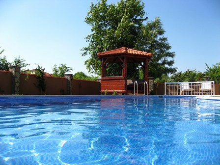 Dalyan: Villa Cairnville's garden pagoda overlooks the private pool